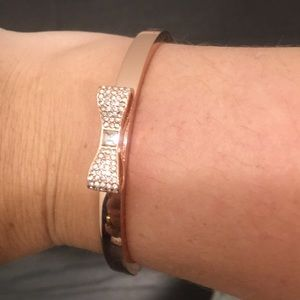 Rose gold bow bangle